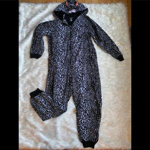 Animal print hooded onesie Sz XL